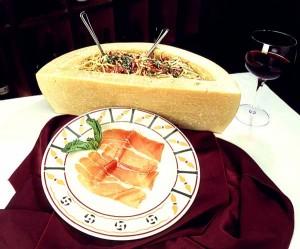Een voorbeeld van pasta in een kaas bereid