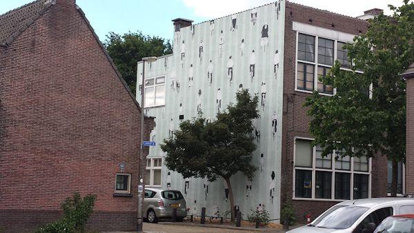 muurschildering Wulpstraat in Utrecht ter ere van de Tour.