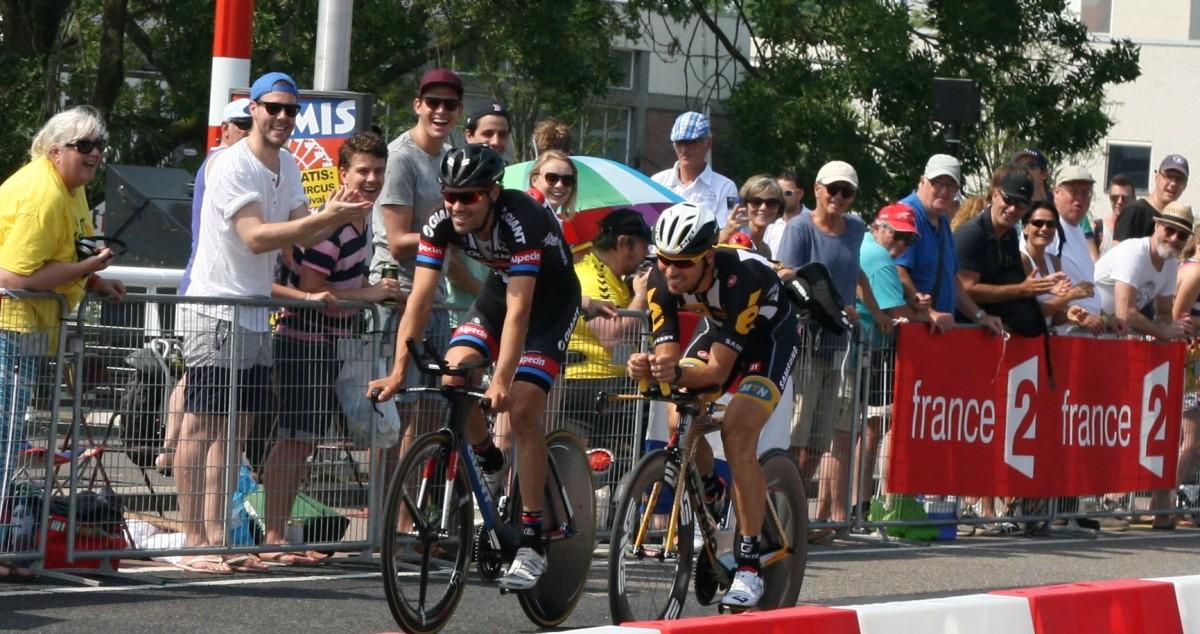 Tom Dumoulin tijdens de verkenning van het parcours.