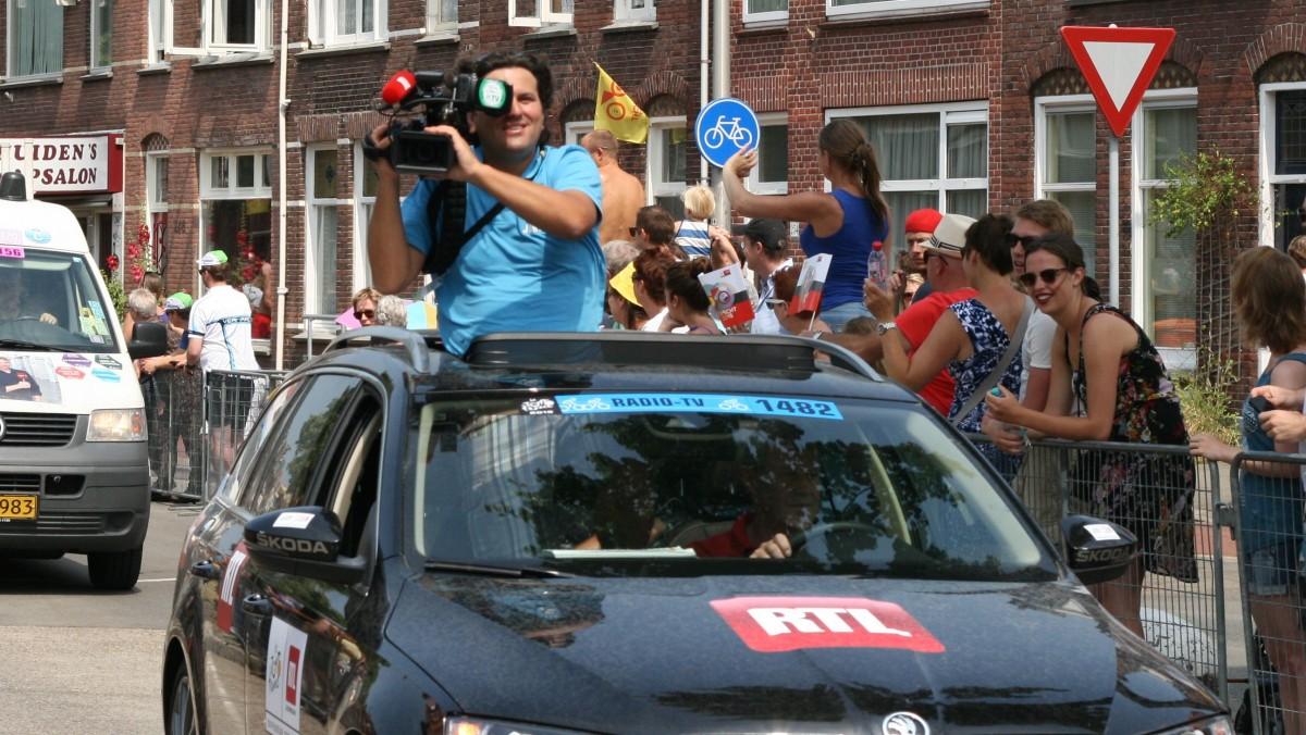 cameraman in auto